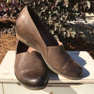 edd9002395e Dansko Shoes - Dansko Liliana Teak Burnished Nubuck Leather Shoes
